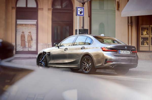 BMW 3er 2019 330e