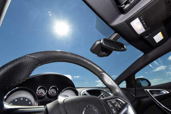 8 Tipps gegen die Sommerhitze im Autos