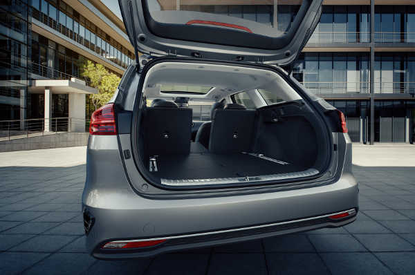 kia ceed sportswagon 2019 gr er geht s nicht auto und. Black Bedroom Furniture Sets. Home Design Ideas