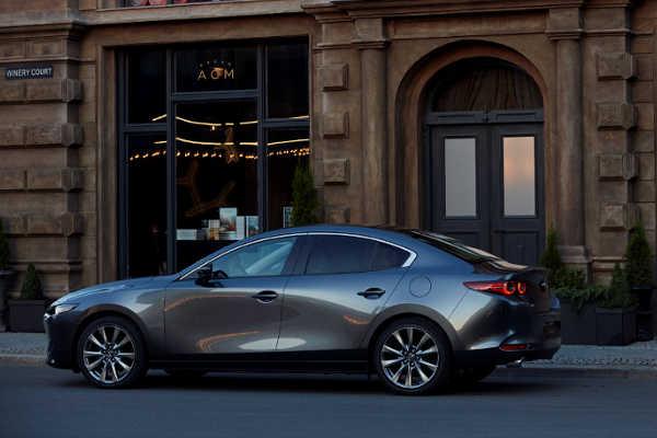 Mazda3 Fastback Limousine 2019