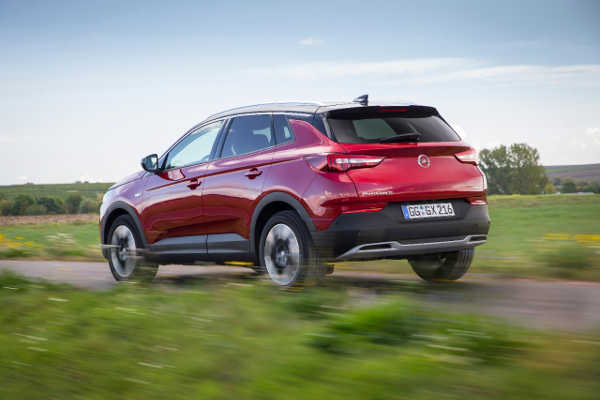Opel Grand X Color Line