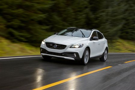Volvo V40 Cross Country You Edition 2014