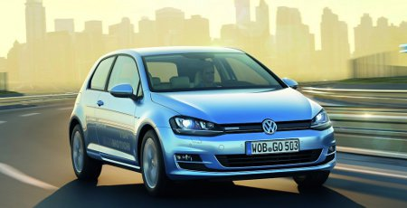 VW Golf VII TDI BlueMotion 2013